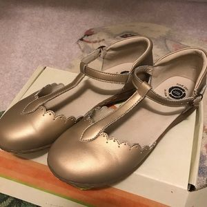 Livie & Luca size 3 gold shoes
